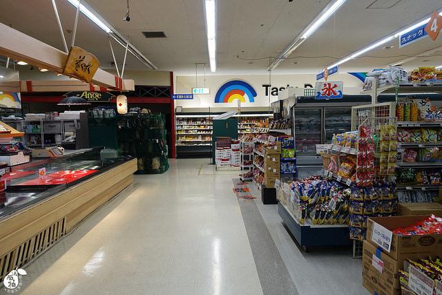 Azat Hotel飯店對面超市 (15)