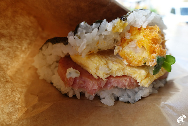 國際通牧志市場豬肉蛋飯糰總店 (25)