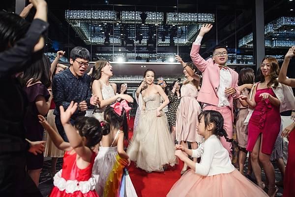 07.新娘跳舞時的禮服挑選