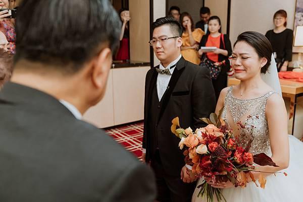 24_迎娶,新人下跪於女方家長前