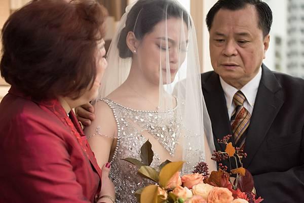 32_蓋上頭紗的新娘