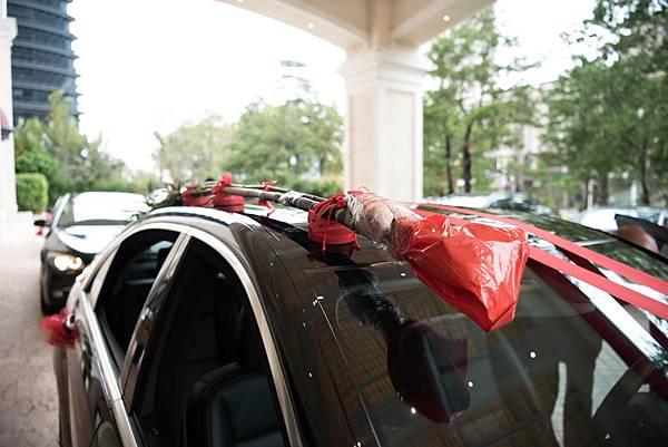 37-1_新娘禮車上的甘蔗與豬肉