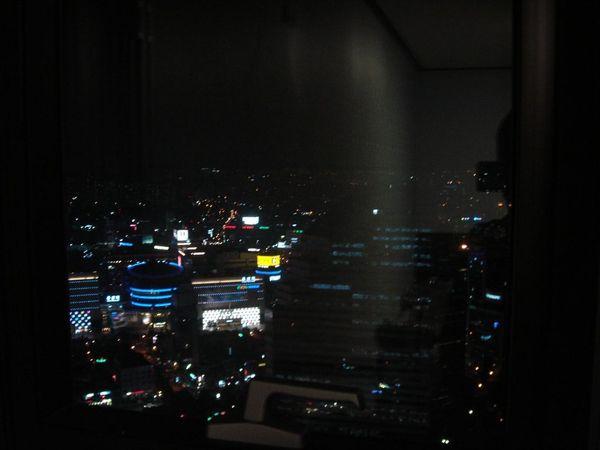 Chris' home night view~