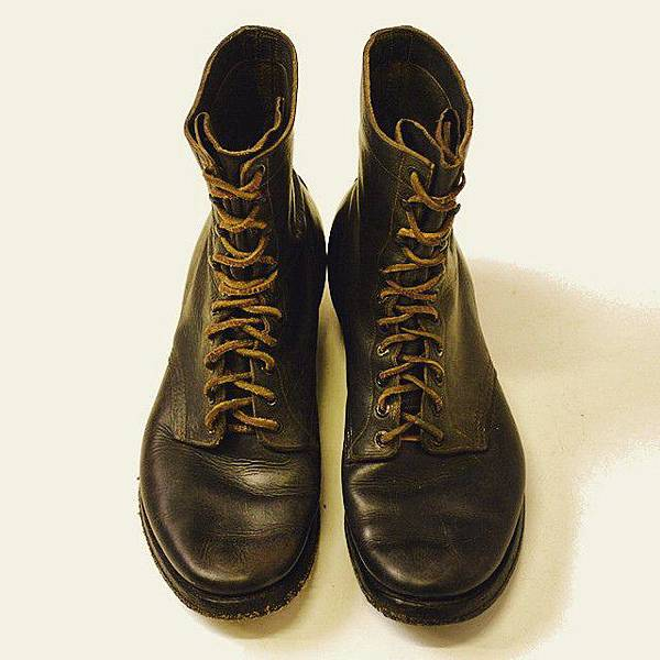 white's early boots.jpg