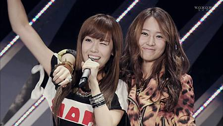 111113 Jessica & Krystal - Tick Tock on WOWOW SMT LIT (S.E.) ¨KpopRocksHD¨.ts_snapshot_02.40_[2011.11.14_15.27.38]