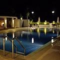 游泳池_夜 3.JPG