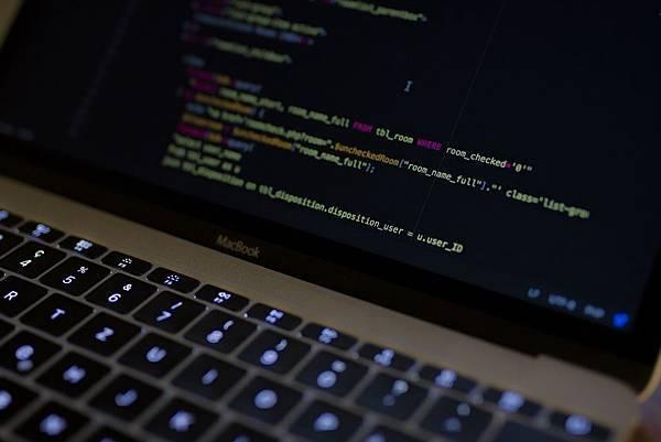 來自硬體工程師的達內教育評價,只花半年成功轉職高薪Java工程師!!