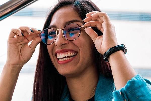Goolge人工智慧眼鏡,讓視障朋友看見世界的美!(上)