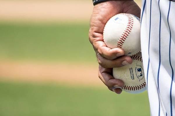 人工智慧又有新招?!機器人應援棒球賽竟還能打棒球?!(上)