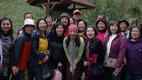 杉林溪與遊客合照.JPG