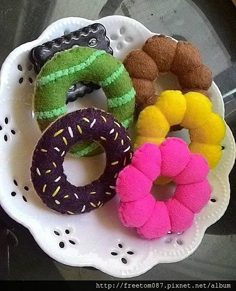 好吃的甜甜圈跟波堤