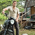 jurassic-park-4-photos-1-chris-pratt.jpg