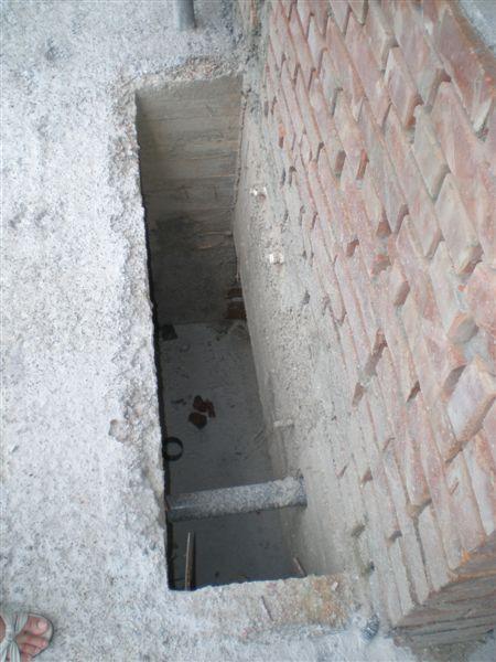 小後院的天井