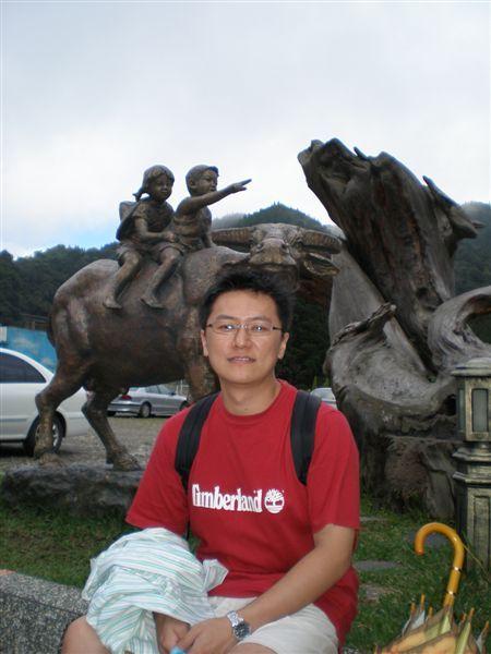 飯店前面的雕像