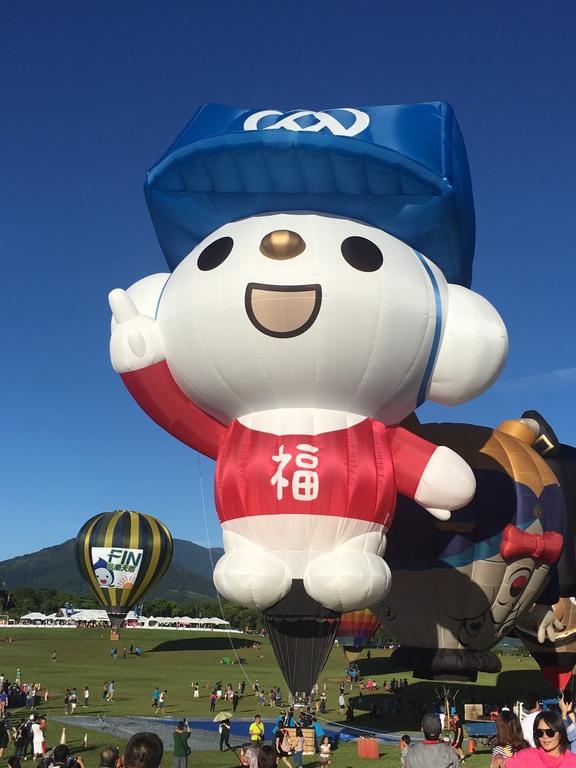 福利熊造型球熱氣球