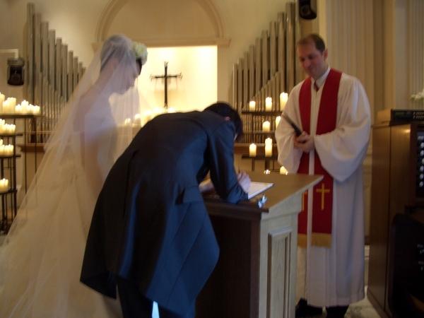 簽下結婚誓約書