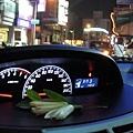 放在車上的玉蘭花