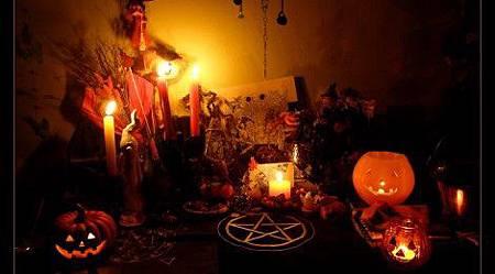 Samhain_Altar_2009_by_Wilhelmine1-470x260