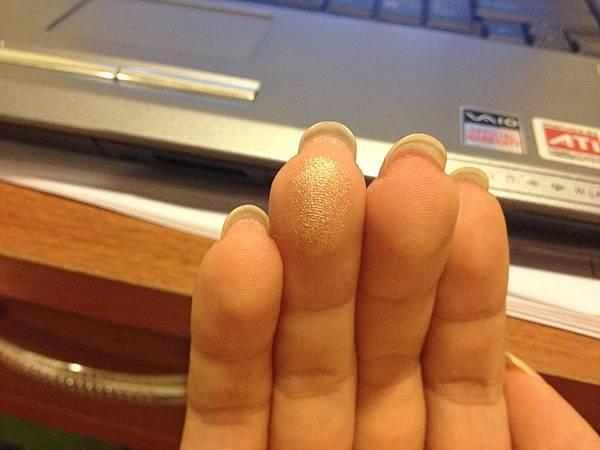 手指試色, 亮片還是細喔~