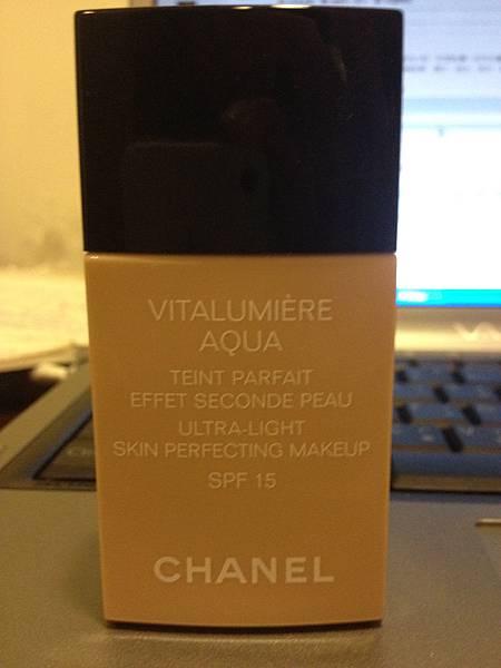今天用Chanel粉底液 色號10beige