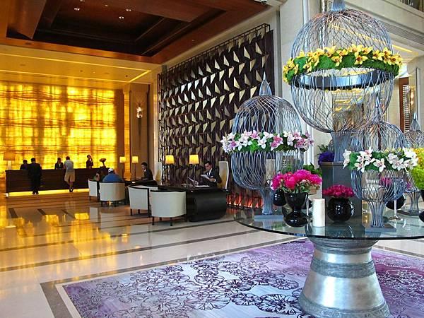 Siam Kempinski Hotel接待櫃台
