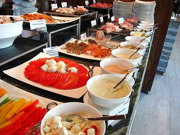 Siam Kempinski Hotel Bangkok Deluxe Breakfast