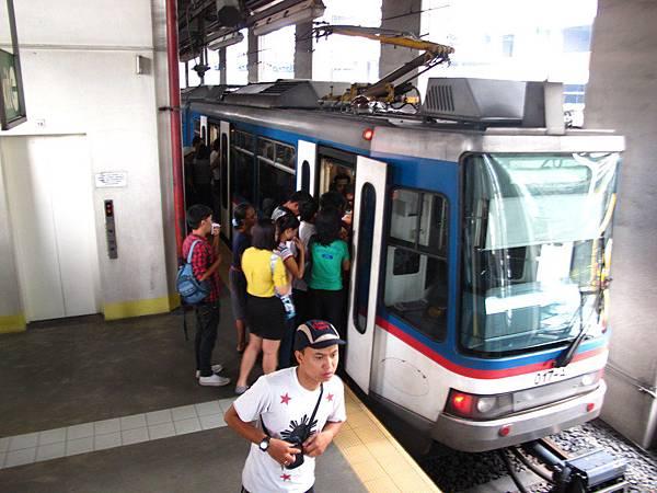 MRT捷運站 Boni Avenue Station
