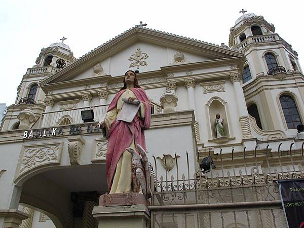 奎阿坡教堂QUIAPO CHURCH