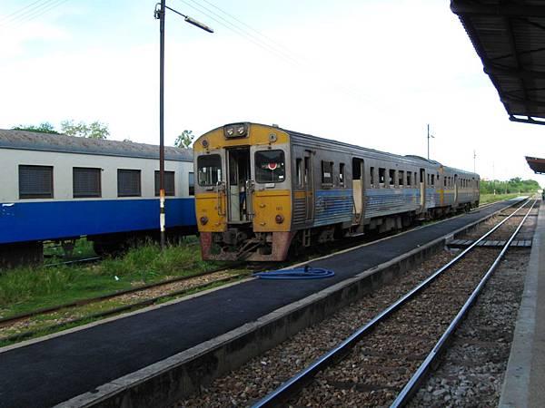 坐上火車,16:55左右啟程回曼谷