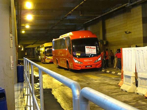 LCCT機場距離吉隆坡市區有段距離,巴士花了1小時40分才到KL Sentral