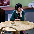 Flakes-Stills-zooey-deschanel-613733_265_400