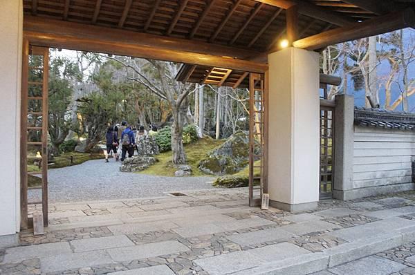 庭園餐廳_1.jpg