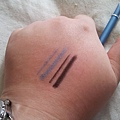 AmuSe 2IN1 Ultra Fine Eyeliner-Black&RoyalBlue-Swateched2.jpg