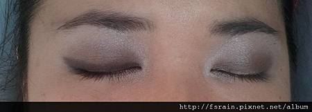 Pictorial-Sparkly Smokes 4 Candlelight Dinner-27-Liner shadow on right eye