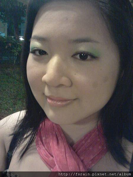 LOTD-Tropics Pineapple Fizz-3-at bus stop