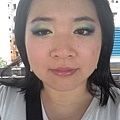 Summer Funk Makeup-30-OutdoorDaylight