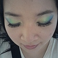 Summer Funk Makeup-24-OutdoorDaylight