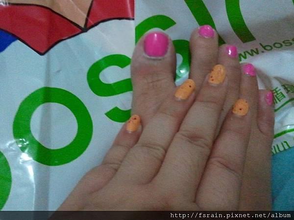 NOTD-2012-05-21-THEFACSHOP-LovelyMeEX-HotPink & Orange-03