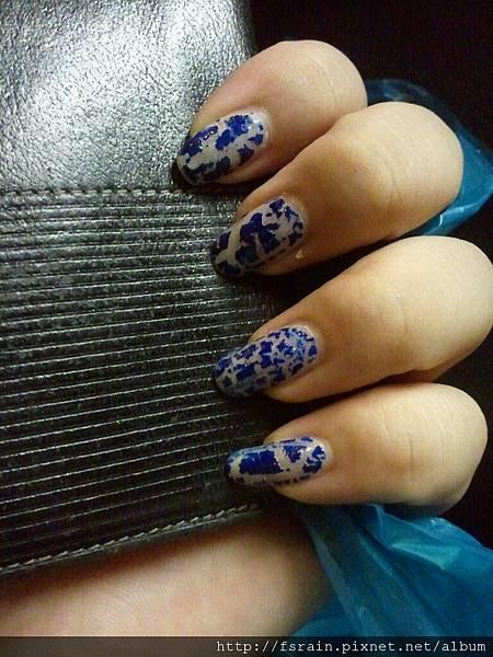 NOTD-2012-09-20-Arezia Crackling Silver & Blue Set-02
