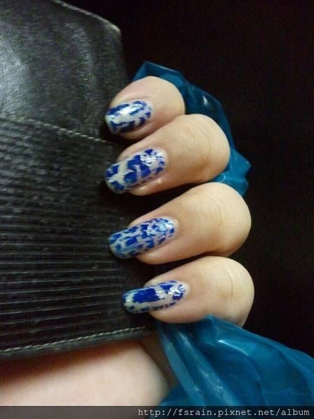 NOTD-2012-09-20-Arezia Crackling Silver & Blue Set-03