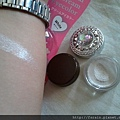 Daiso Crystal Cream Eye Color-White-swatch-01