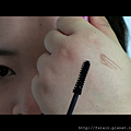 Daiso Makeup Challenge-Video1-Warm Earthy Eyes-Snapshot-volume-bristles.png