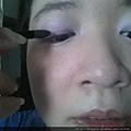 Daiso makeup challenge-apply liner grey shadow-02.jpg