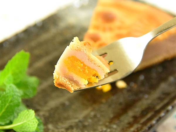 芋頭蛋黃餅10.jpg