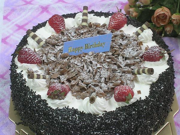 """黑森林蛋糕 10"""" 800 ,   8""""  600 ,6""""400,"""
