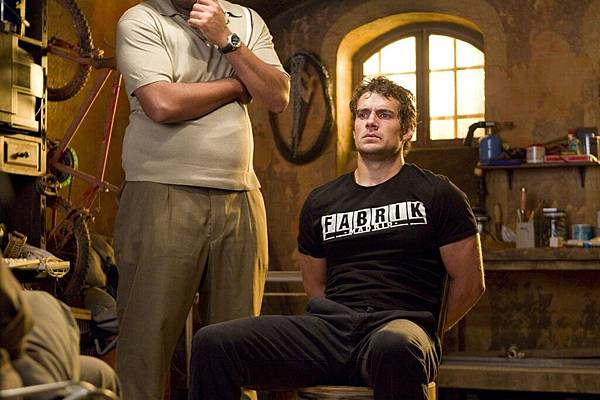 the-cold-light-of-day-henry-cavill-37b59