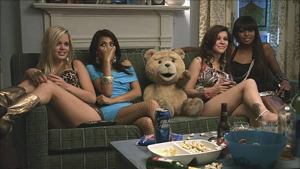 Mila-Kunis-Ted-movie-image-21