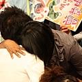 韋中跟媽媽的擁抱...