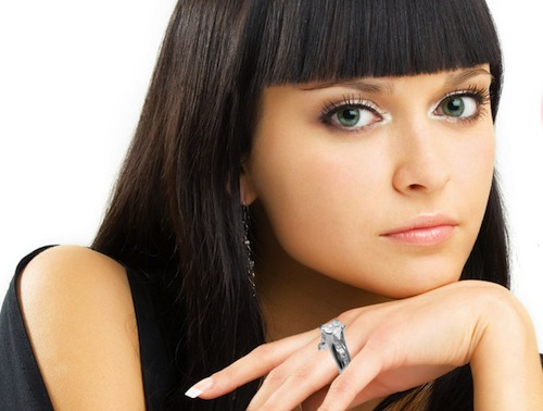 girl-with-ring