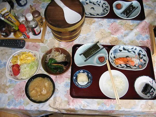 日式旅館豐盛的早餐
